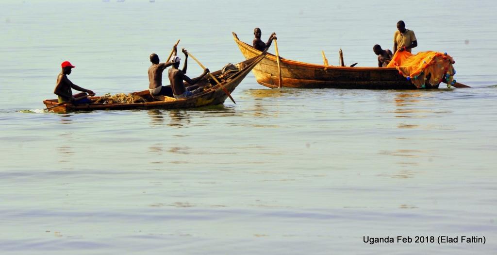 דייגים ילדים אוגנדה אפריקה